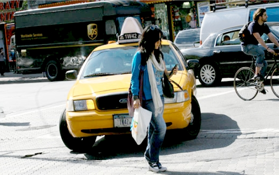 NJ Bill Would Jail People for Texting While Walking